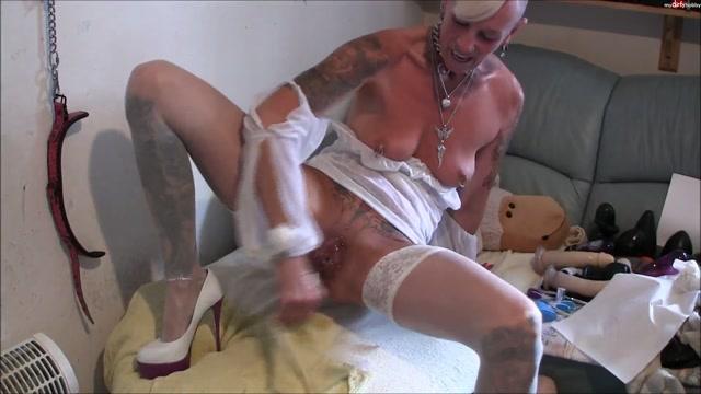 Watch Online Porn – MyDirtyHobby presents lady-isabell666 in Monster-Dildo in meinen Arsch und (FLV, FullHD, 1920×1080)