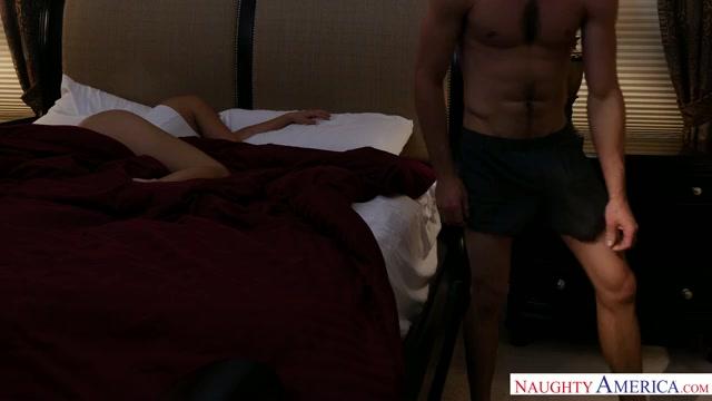 Watch Online Porn – NaughtyAmerica – IHaveAWife presents Harley Jade 22969 – 13.07.2017 (MP4, SD, 640×360)