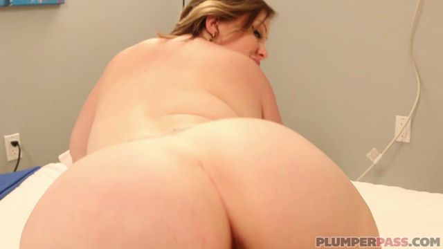 PlumperPass_presents_Bunny_De_La_Cruz_in_Pregnant_Sex_Bunny_-_07.07.2017.mp4.00010.jpg