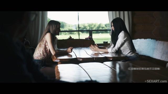 SexArt_presents_Kira_Parvati__Rebecca_Volpetti_in_Conversation_-_28.07.2017.mp4.00000.jpg