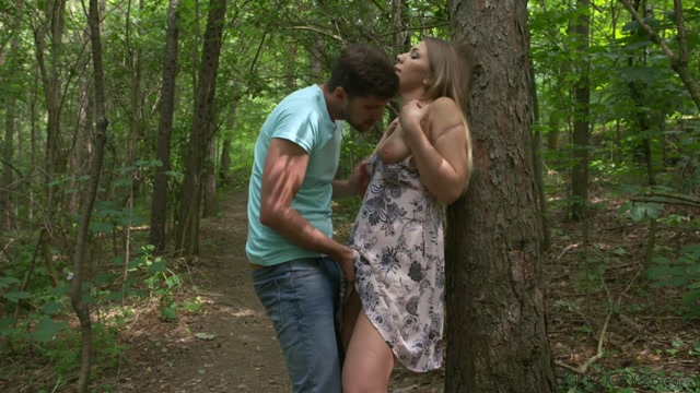 SexyHub_-_DaneJones_presents_Vyvan_Hill_in_Sex_Outside_for_Horny_Young_Teen_-_07.07.2017.mp4.00002.jpg