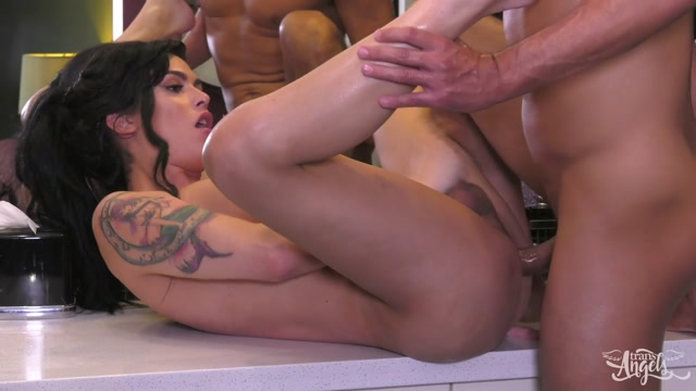 Watch Online Porn – TransAngels presents Domino Presley in Stepsisters BIG Secret – 17.07.2017 (MP4, HD, 1280×720)