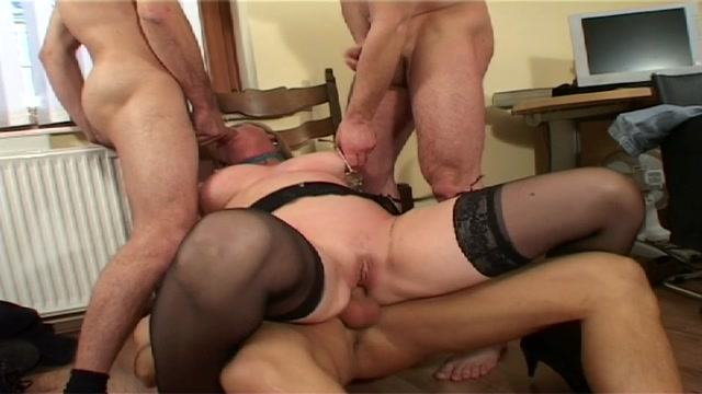 Watch Online Porn – Tuttifrutti presents Monica (MP4, SD, 960×540)