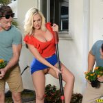 RealityKings – MilfHunter presents Alena Croft in Getting Dirty With Ms Croft – 10.07.2017