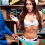 Shoplyfter presents Davina Davis in Case No. 64671704 – 21.06.2017
