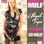 Mature.nl presents Abigail Toyne (EU) (41) in British MILF Abigail Toyne fingering herself – 11.08.2017