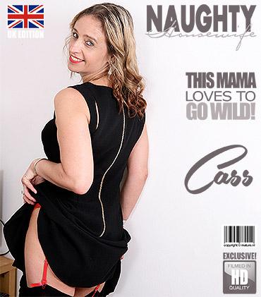 1_Mature.nl_presents_Cass__EU___45__in_British_housewife_goes_wild_-_10.08.2017.jpg