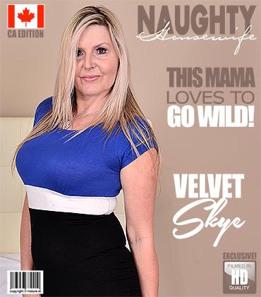 1_Mature.nl_presents_Velvet_Skye__55__in_Canadian_housewife_fooling_around_-_15.08.2017.jpg