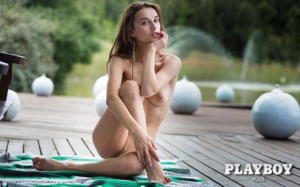 1_PlayboyPlus_presents_Gloria_Sol_in_Swing_By_-_30.08.2017.jpg