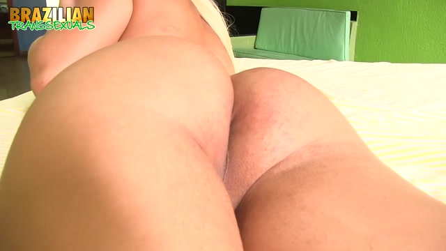 Brazilian-transsexuals_presents_Fernanda_Stuffs_Her_Butt_Remastered.mp4.00009.jpg