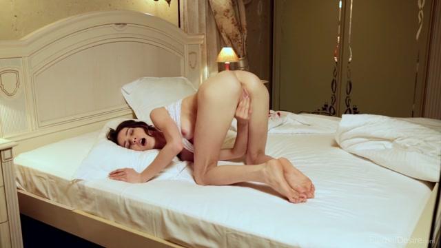 Watch Online Porn – EternalDesire presents Adel Morel in SLIDE – 29.08.2017 (MP4, FullHD, 1920×1080)