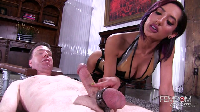 FemdomEmpire_presents_Chloe_Amour_in_Do_you_like_me_teasing_your_cock_-_18.08.2017.mp4.00009.jpg