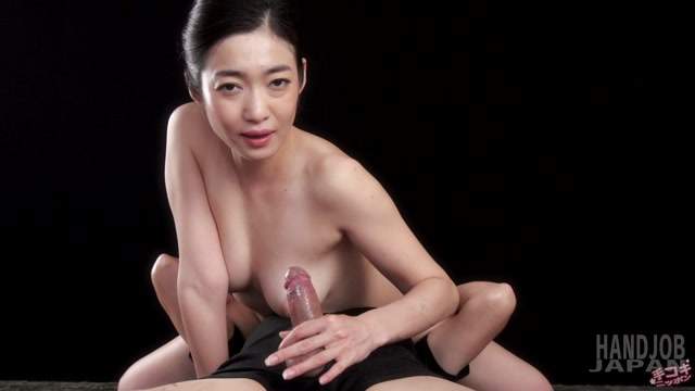 HandjobJapan_presents__Ryu_Enami_faceriding_handjob.mp4.00014.jpg