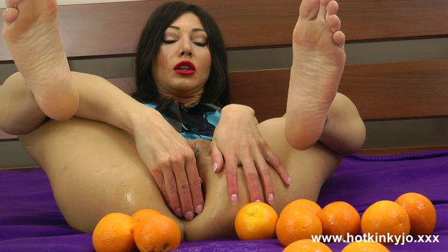 Watch Online Porn – Hotkinkyjo presents Oranges – 06.08.2017 (MP4, FullHD, 1920×1080)