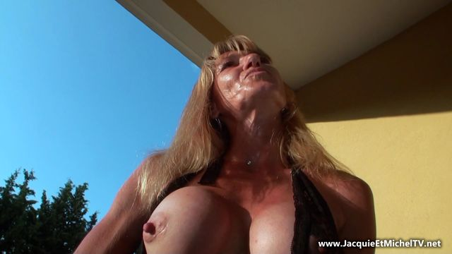 JacquieEtMichelTV_presents_Alicia__doubles_penetrations_et_partouze__-_03.08.2017.mp4.00001.jpg