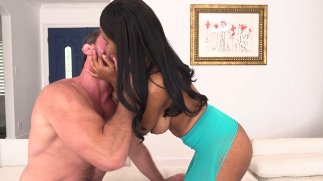 Watch Online Porn – JulesJordan presents Jenna Foxx in Busty Ebony Needs A Hard Pounding – 16.08.2017 (MP4, FullHD, 1920×1080)