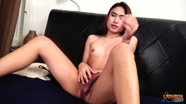 Ladyboy.xxx_presents_Beautiful_Donut_Shoots_Cum__-_31.07.2017.mp4.00008.jpg