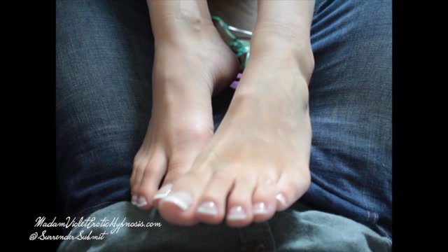 Watch Online Porn – Madam Violet in My Feet Your Altar (MP4, SD, 960×540)