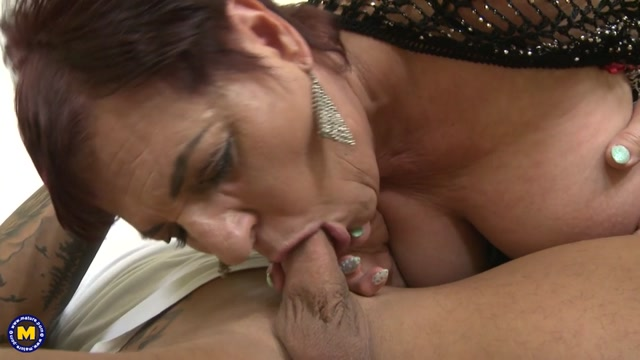 Watch Online Porn – Mature.nl presents Joanne (57) in hairy housewife doing her toyboy – 10.08.2017 (MP4, SD, 960×540)