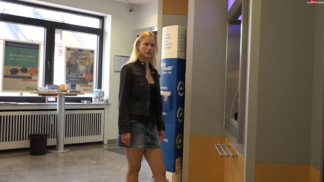 Watch Online Porn – MyDirtyHobby presents Blondehexe in Ultra Public – Mitten in der Bank gefickt – ULTRA PUBLIC! MIDDLE fucked in the BANK (MP4, FullHD, 1920×1080)