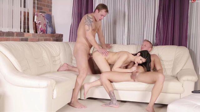 Watch Online Porn – MyDirtyHobby presents Crazy-18 in Die beiden sind doch extrem pervers (MP4, FullHD, 1920×1080)
