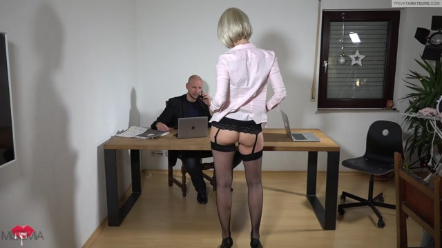 MyDirtyHobby_presents_MISSMIA_in_Chef__spritz_in_meinen_Arsch_-_Chef__injection_in_my_ass.flv.00002.jpg