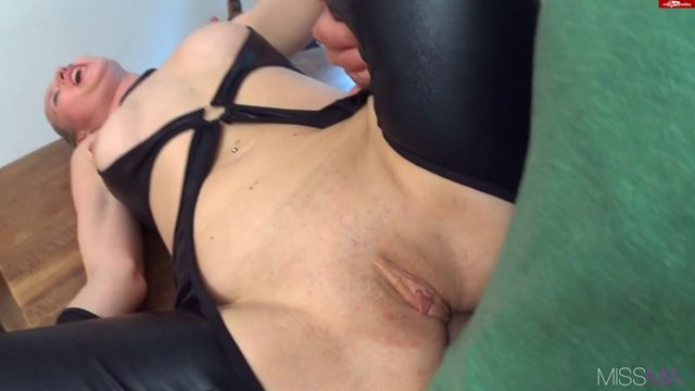 MyDirtyHobby_presents_MISSMIA_in_OMG_-_Arschsex_mit_perversem_Finale_-_OMG__Anal_sex_with_perverse_FINALE.flv.00008.jpg