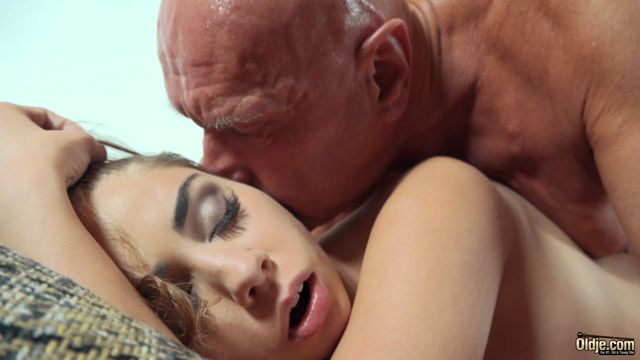 Watch Online Porn – Oldje presents Julia Red in Messy Young Cutie №616 (MP4, FullHD, 1920×1080)