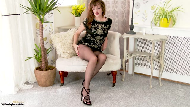 Watch Online Porn – Pantyhosed4U presents Kate Anne in New heels n hose! – 16.08.2017 (MP4, FullHD, 1920×1080)