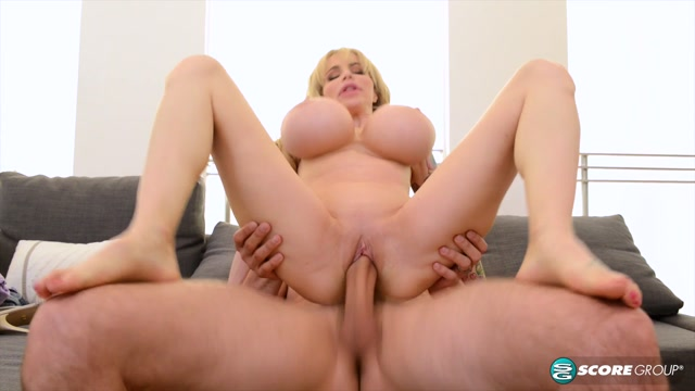 Watch Online Porn – PornMegaLoad presents Danielle Derek in Supersized Tits – 18.08.2017 (MP4, FullHD, 1920×1080)