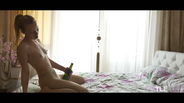 Watch Online Porn – TheLifeErotic presents Emma O in Morning Inspiration 2 – 13.08.2017 (MP4, FullHD, 1920×1080)