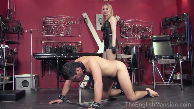 Theenglishmansion_presents_Mistress_Sidonia_in_Stockade_Punishment_Complete.mp4.00000.jpg