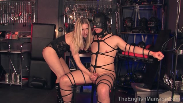 Theenglishmansion_presents_Mistress_Sidonia_in_Tied_For_Her_Orgasm.mp4.00012.jpg
