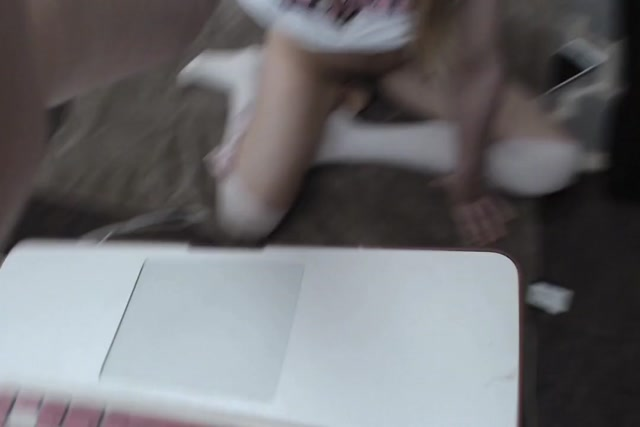 Webcams_Video_presents_Girl_Kittenxx_in_Begging_For_Daddys_Cum.MP4.00008.jpg