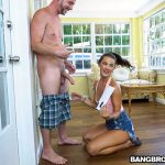 BangBros – BangBros18 presents Evelin Stone in Neighborly Evelin – 11.08.2017