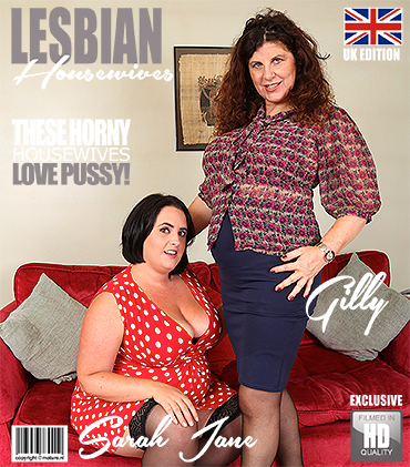 1_Mature.nl_presents_Gilly__EU___51___Sarah_Jane__EU___31__in_curvy_housewives_fooling_around_on_the_couch_-_13.09.2017.jpg