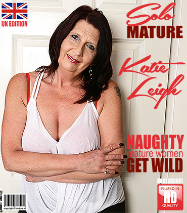 1_Mature.nl_presents_Katie_Leigh__EU___52__in_British_mature_lady_playing_with_herself_-_08.09.2017.jpg