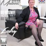 Mature.nl presents Lesley (EU) (47) in British mature BBW showing off her big tits – 12.09.2017