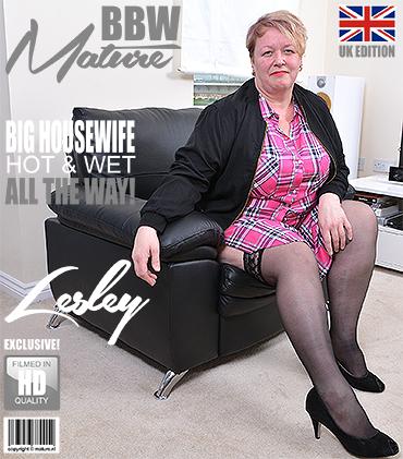 1_Mature.nl_presents_Lesley__EU___47__in_British_mature_BBW_showing_off_her_big_tits_-_12.09.2017.jpg