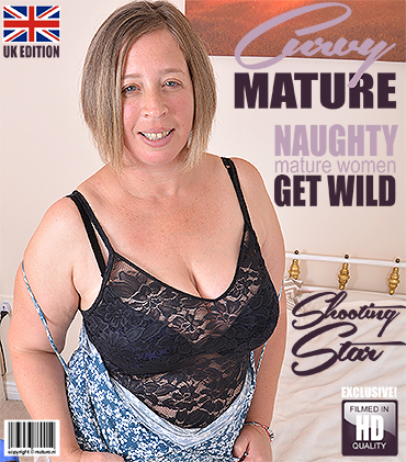 1_Mature.nl_presents_Shooting_Star__EU___44__in_Curvy_British_housewife_fingering_herself_-_25.09.2017.jpg