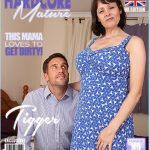 Mature.nl presents Tigger (EU) (49) in British big breasted housewife fucking and sucking – 06.09.2017