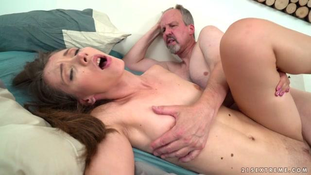 Watch Online Porn – 21Sextreme – GrandpasFuckTeens presents Tera Link in Stefanie – 09.09.2017 (MP4, HD, 1280×720)