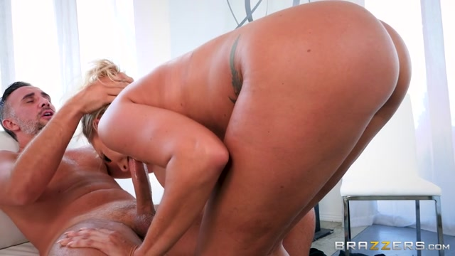 Brazzers_-_RealWifeStories_presents_Juelz_Ventura_in_Any_Friend_Of_Yours_Is_A_Friend_Of_Mine_-_18.09.2017.mp4.00008.jpg