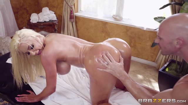 Watch Online Porn – Brazzers presents Nicolette Shea & Johnny Sins in Massage Mirage – 12.09.2017 (MP4, SD, 854×480)