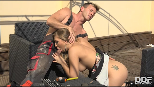 Watch Online Porn – DDFNetwork – OnlyBlowJob presents Haley Hill in Rooftop Blowjob – 28.09.2017 (MP4, SD, 950×540)