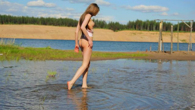 FameGirls_presents_GRACE_VIDEO_013.mp4.00005.jpg