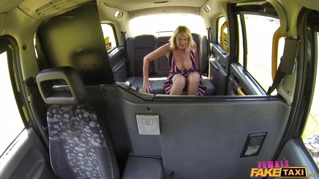 FemaleFakeTaxi_presents_Amy__Zara_DuRose_in_Redhead_and_milf_have_sexy_taxi_fun_-_21.09.2017.mp4.00002.jpg