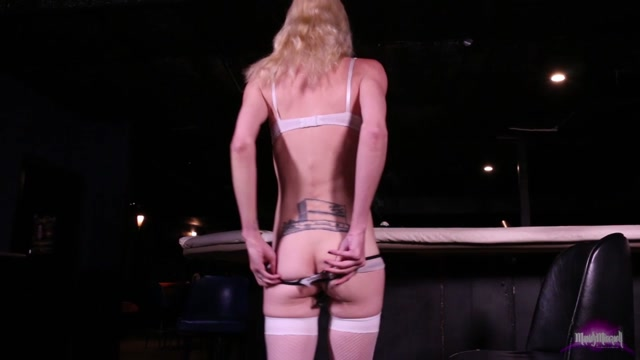 Mandy-mitchell_presents_Mandy_Mitchell_in_Suck_My_Dick_at_the_Bar__Solo_POV_-_08.09.2017.mp4.00005.jpg