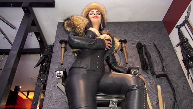Mistress_Ezada_Sinn_in_Rub_your_cock_clean_for_Me.mp4.00008.jpg