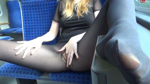 MyDirtyHobby_presents_Lisa-Sack_-_Public_in_der_Doppel-Freistunde_Mastubiert_-_Public_in_the_double-freistunde_Mastubiert.mp4.00010.jpg